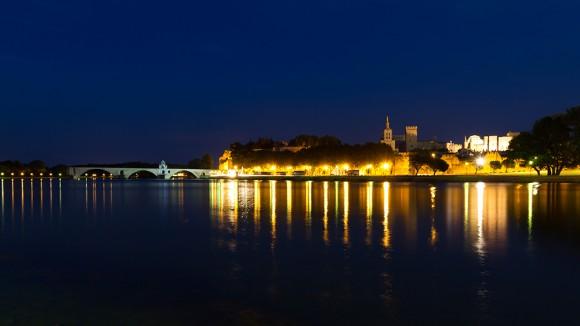 Avignon bei Nacht